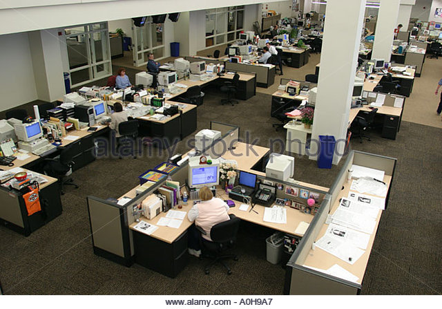 Cleveland Ohio Plain Dealer Building daily newspaper office desks - Stock Image
