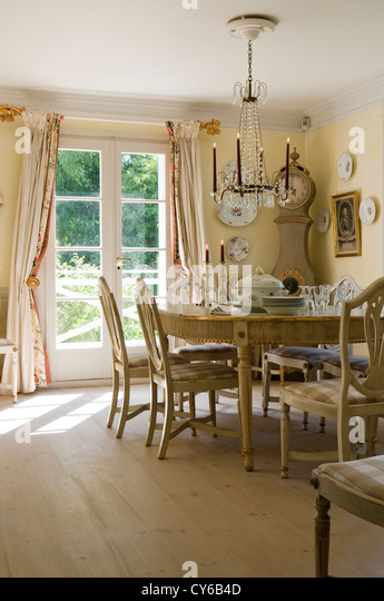 Gustavian stock photos gustavian stock images alamy for Dining room in german