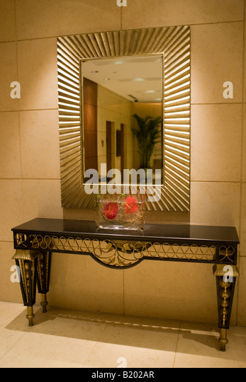 Foyer Console Xbox : Console table stock photos images