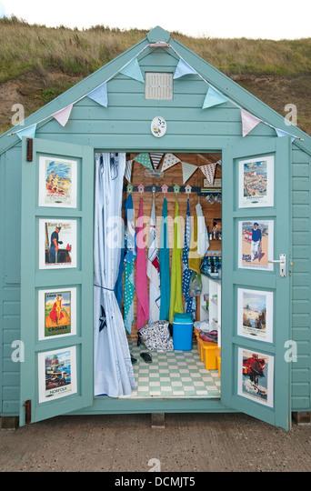 Hut interior stock photos hut interior stock images alamy for Beach hut interiors