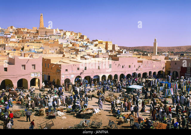 Algeria, Sahara, oasis town of Ghardaia, market, person, Africa, North Africa, desert, town, houses, market tag, - Stock Image