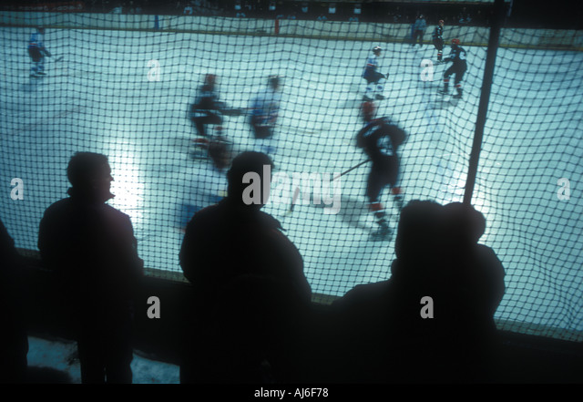 March 2001 Outdor ice hockey Austria MANDATORY CREDIT MICHAEL CRAIG 00 44 7740 125873 http www michael craig com - Stock Image