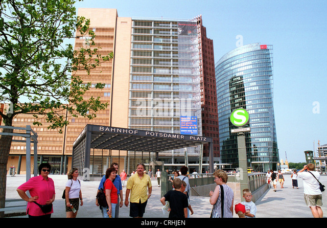 skyscrapers subway entrance stock photos skyscrapers subway entrance stock images alamy. Black Bedroom Furniture Sets. Home Design Ideas
