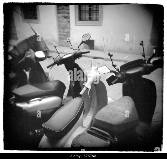 Scooters in Florence Italy - Stock-Bilder