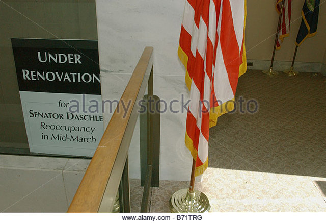 1 22 02 HART SENATE OFFICE BUILDING REOPENS A sign in the window of Senate Majority Leader Tom Daschle s office - Stock Image