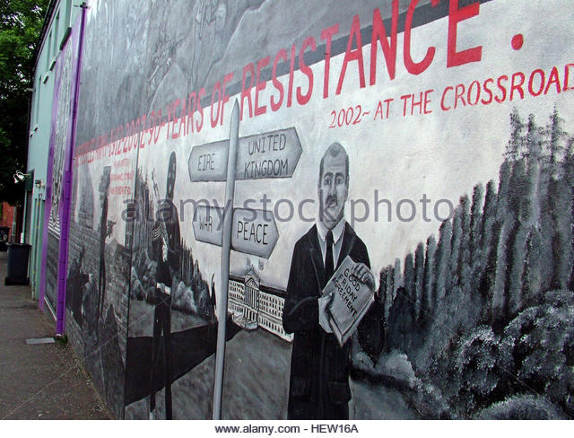 Shankill Road Mural -2002 at the crossroads, West Belfast, Northern Ireland, UK - Stock Image
