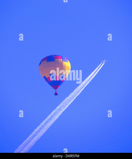 Hot-air balloon, fly, sky, blue, airplane, condensation trail, jet, plane, airplane, fly, concepts, - Stock-Bilder