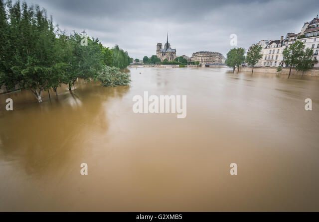 Seine river overflows its banks in Paris - Stock Image