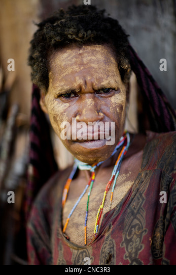 Indonesia, West Papua, region of Wamena, Maning village, portrait of a woman from the Yali tribe, wearing makeup - Stock Image
