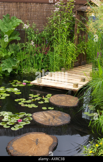 Decking pond stock photos decking pond stock images for Pool and garden show