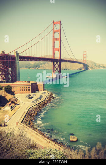 Old film retro style Golden Gate Bridge in San Francisco, vignette effect, USA. - Stock-Bilder