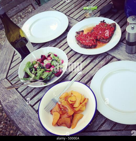 Al fresco dining, BBQ food - Stock-Bilder