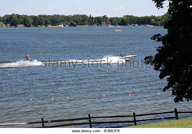 Wisconsin Kenosha Paddock Lake Old Settlers Park boating skiing water sport lakeshore scenic - Stock Image