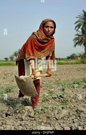 Short essay on Position of Women in Pakistan