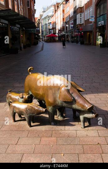 Pigs sculpture in Sogestrasse, Bremen, Germany - Stock Image