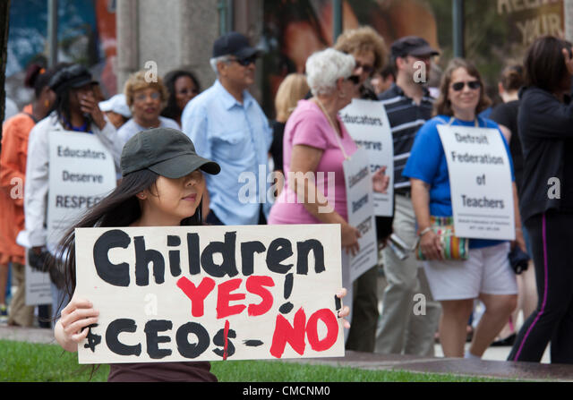Detroit, Michigan - Members of the Detroit Federation of Teachers protest a labor contract unilaterally imposed - Stock Image