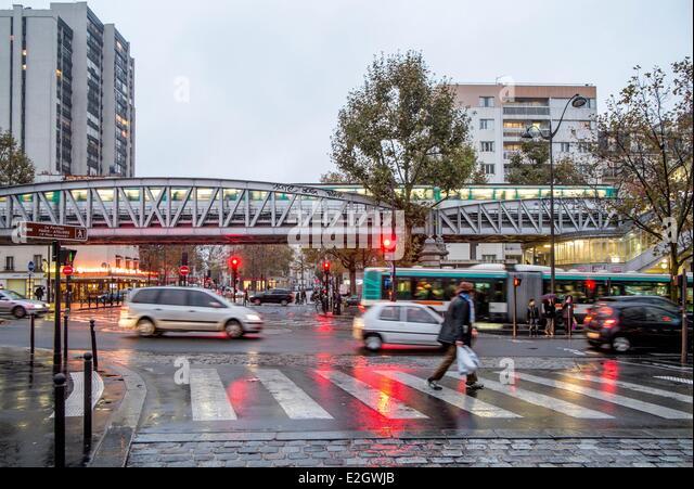 Rain paris stock photos rain paris stock images alamy for Cafe jardin scarborough
