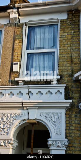 Subsidence causes damage to many type of structures. The causes vary, a structural surveyor should be appointed - Stock-Bilder