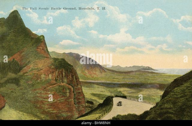 Vintage postcard of the Pali Scenic Battleground in Honolulu, Hawaii - Stock Image