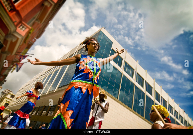 Cuba, Havana, folkloristic show in the street - Stock Image