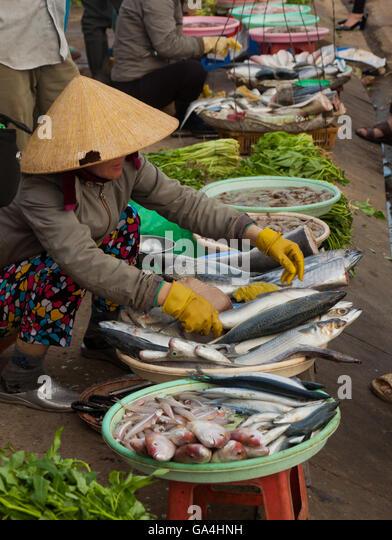 Street food vietnam stock photos street food vietnam for Local fish market