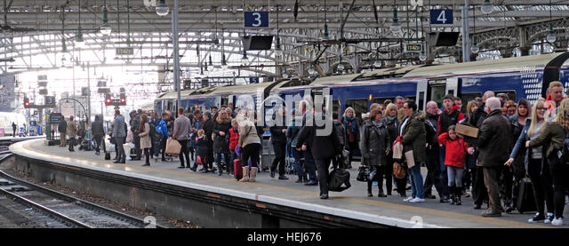 Congested Scotrail Abellio train carriages, Glasgow Central services - Stock Image