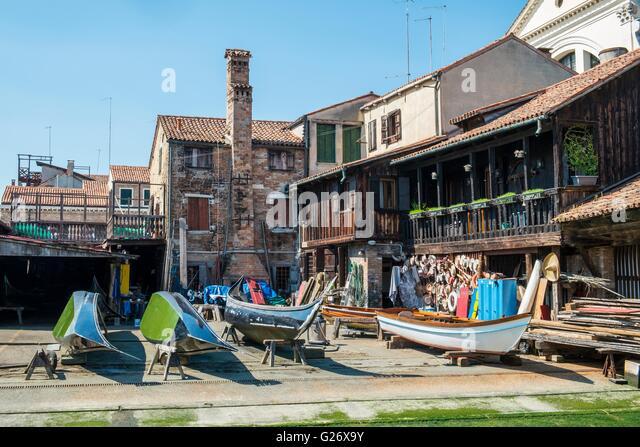 Boat repair yard on the Rio de san Trovaso canal, Venice, Italy, April - Stock-Bilder