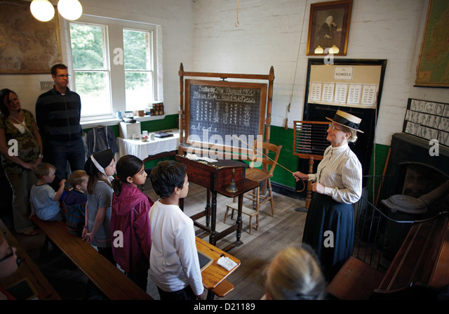 Reenactment of historical everyday life in a school at Blists Hill Victorian Town Museum, The Iron Gorge Museums, - Stock-Bilder