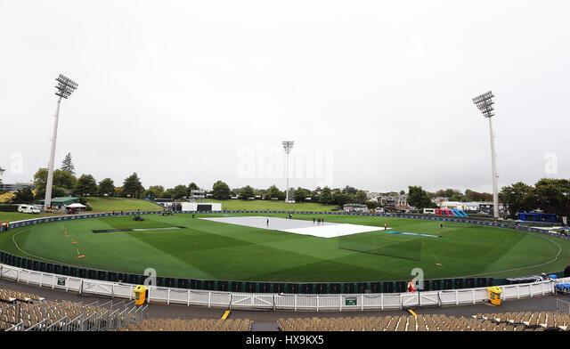 Hamilton, New Zealand. 25th Mar, 2017. March 25th 2017, Hamilton, New Zealand; General view of Seddon Park in gloomy - Stock-Bilder