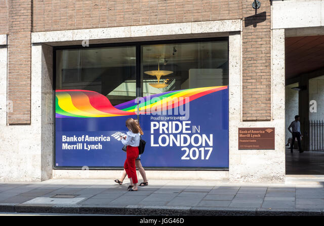 London, UK. 6th July, 2017. Bank of America Merrill Lynch  office in the City of London shows a graphic in the window - Stock Image