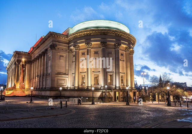 St Georges hall Liverpool floodlit at night. North entrance - Stock Image