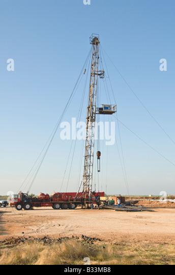Midland, Texas And Oil Stock Photos & Midland, Texas And ...