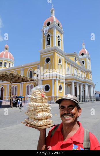 Nicaragua Granada Avenida Guzman Cathedral de Granada Central Plaza colonial heritage historic district cathedral - Stock Image