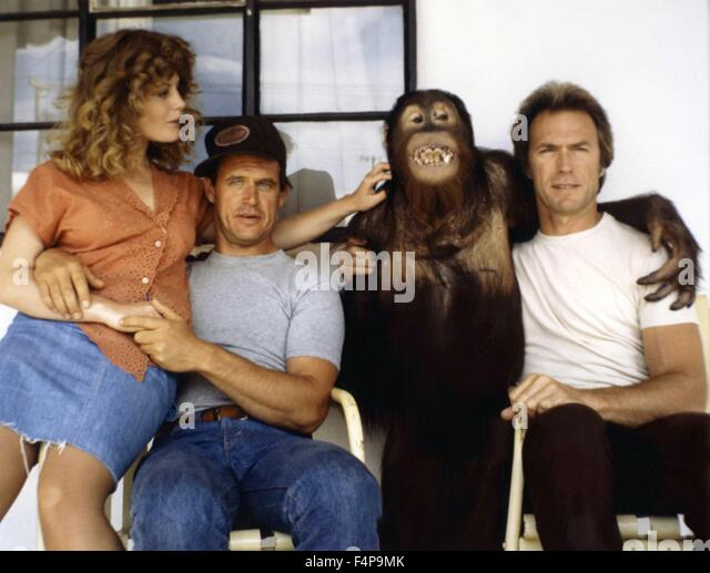 Beverly D'Angelo, Geoffrey Lewis, Clint Eastwood, Clyde / Every Which Way But Loose 1978 directed by James Fargo - Stock Image
