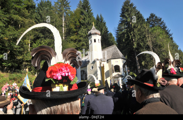Field mass in front of the Oelberg chapel, Sachrang, Chiemgau, Bavaria, Germany, Europe - Stock Image
