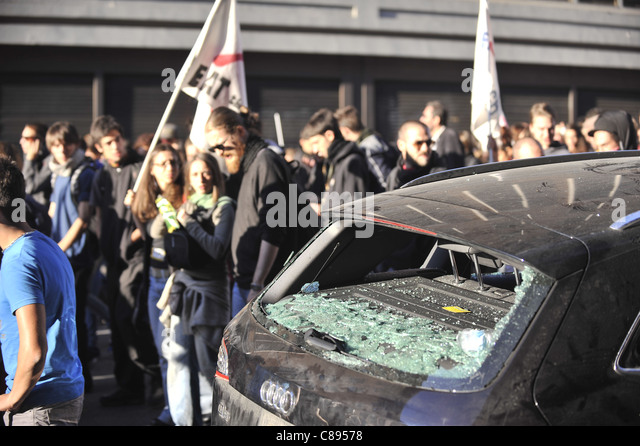Indignants Protest in Rome turns violent - Stock Image