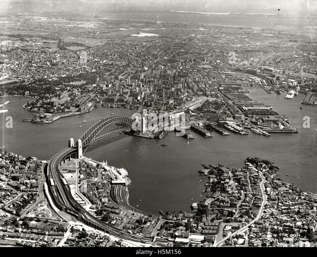 Harbour Bridge & City from North Sydney - 1937 - Stock Image