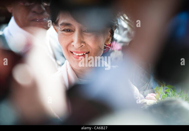 June 15, 2012 - Oslo, Norway: Aung San Suu Kyi arrives at Grand Hotel in Oslo during the first day of her visit - Stock-Bilder