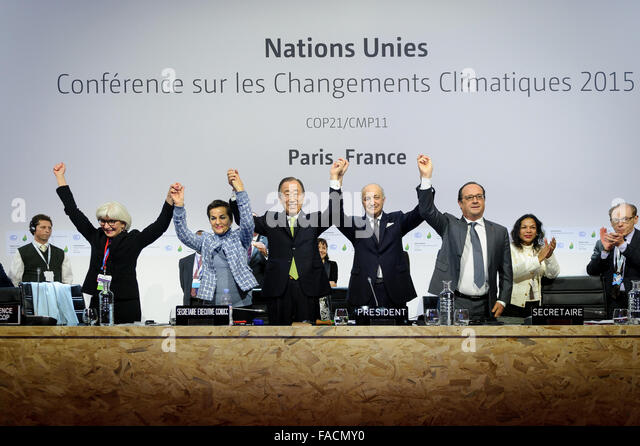 Leaders of the COP21, United Nations Climate Change Conference celebrate reaching a global agreement on greenhouse - Stock Image