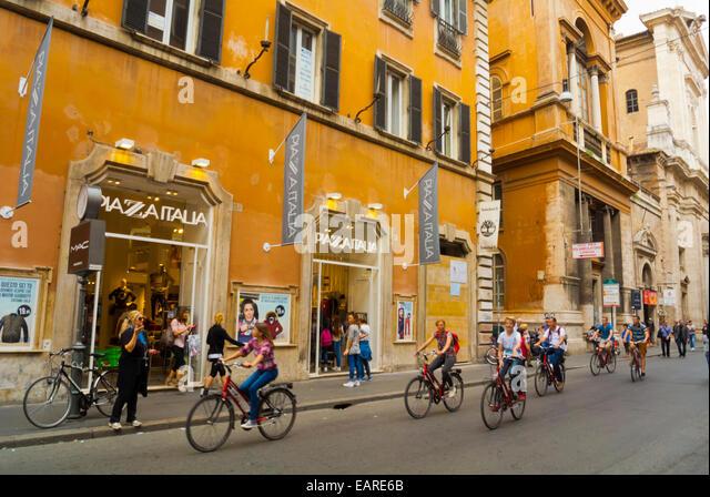 Cycling city rome italy street stock photos cycling city for Corner via del corso roma