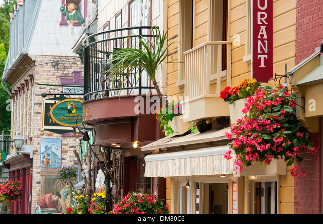 rue du petit champlain stock photos rue du petit champlain stock images alamy. Black Bedroom Furniture Sets. Home Design Ideas