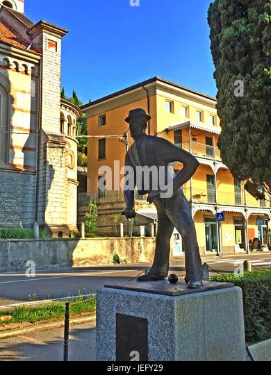 KONRAD ADENAUER (1876-1967) playing bowls statue on the waterfront at Cadenabbia on Lake Como, Italy.His Institute - Stock-Bilder