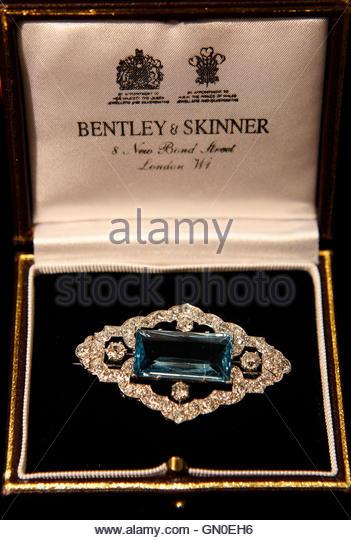 Bentley and skinner stock photos bentley and skinner for Bentley and skinner jewelry