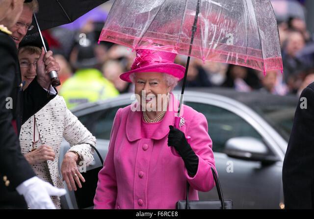Birmingham, UK. 19, November, 2015 HRH Queen Elizabeth II and HRH Duke of Edinburgh visit Birmingham to officially - Stock Image