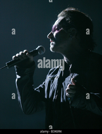 U2  Irish rock group with Bono in 2005 - Stock Image