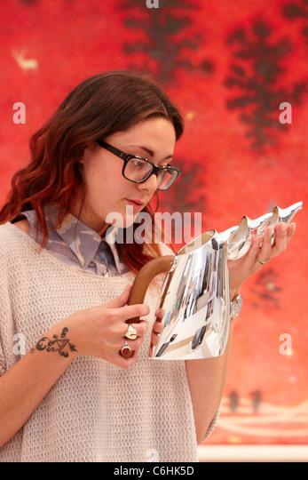 Sara the antiques dealer - 2 part 8
