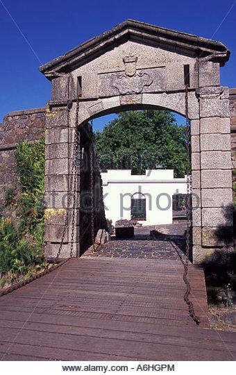 Uruguay colonia del sacramento puerta stock photos for Puerta 7 campo de mayo