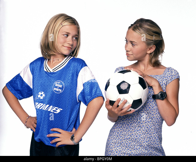 Mary Kate And Ashley Film Stock Photos & Mary Kate And ...  Switching