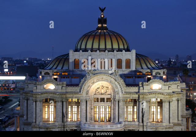 Mexico, Mexico City. Palacio de Bellas Artes ('Palace of Fine Arts') is the premier opera house of Mexico - Stock Image