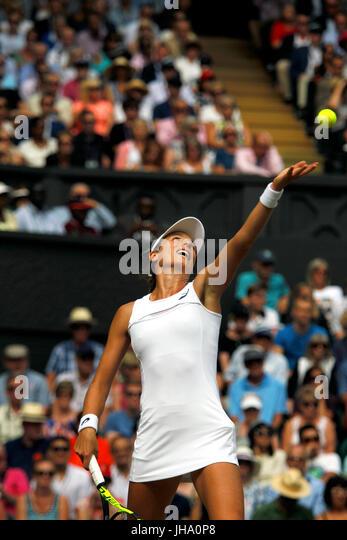 London, UK. 13th July, 2017. Wimbledon Tennis: London, 13 July, 2017 - Johanna Konta serving during her semi final - Stock Image